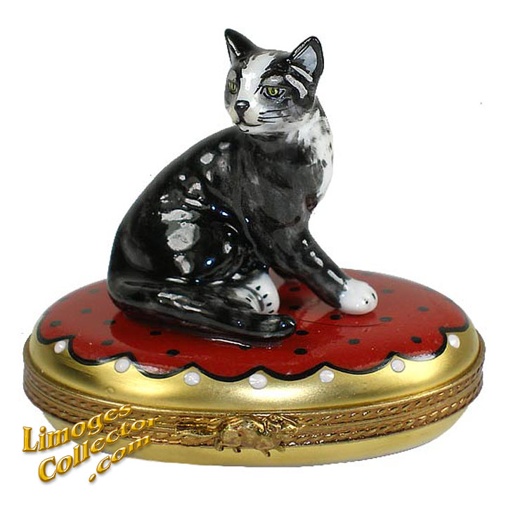 Black and White Cat Limoges Box by Beauchamp | LimogesCollector.com