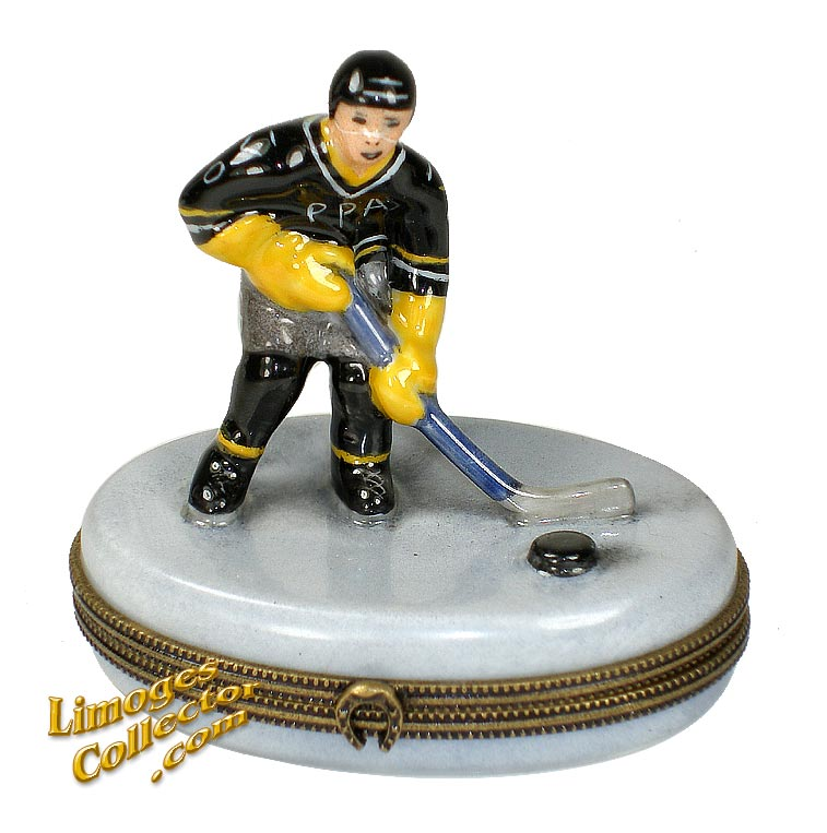 Hockey Player on Ice Limoges Box | LimogesCollector.com