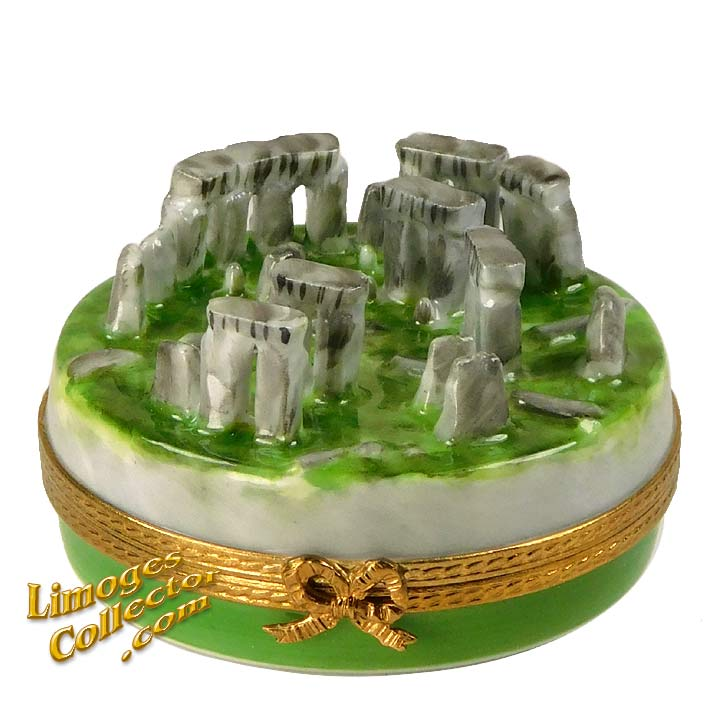 Stonehenge Monument, an Exclusive Limoges box by Beauchamp | LimogesCollector.com