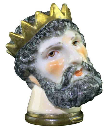 Snuffbox is the shape of Neptune's Head, circa 1880
